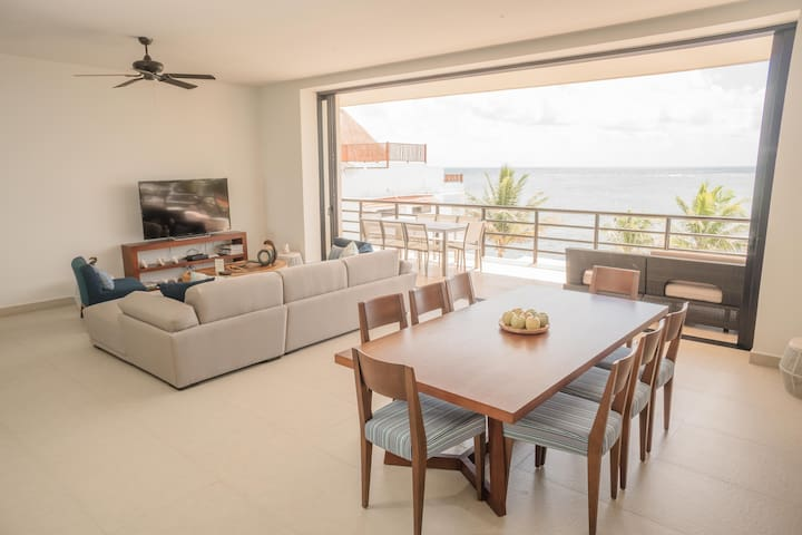 Fantastic Penthouse on the beach & daily cleaning
