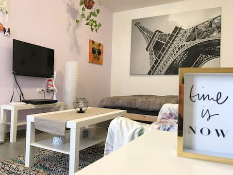 A lovely studio apt in the heart of Florentin