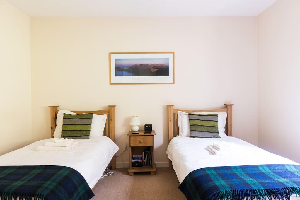 Oak Twin Room With Garden View Chambres D 39 H Tes Louer Invermoriston Royaume Uni
