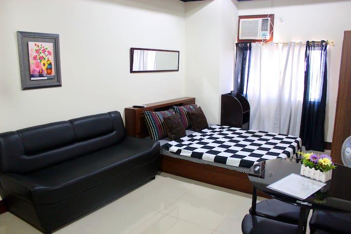 7-Seaview Rm Near SM, Robinsons Galleria Mall Cebu - Cebu City