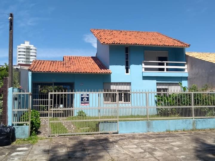 Linda casa azul
