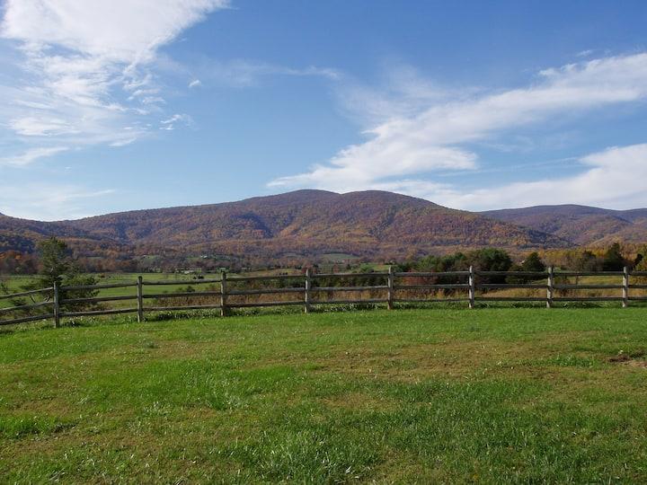 Luxury farm vacation rental-stunning mountain view
