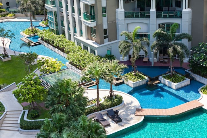 市中心豪华三室一厅五星级酒店式公寓  紧靠地铁购物中心  带露天泳池空中花园