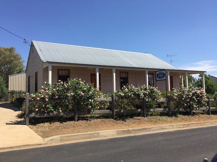 GULGONG - Telegraph Station - 2 bedroom free WiFi