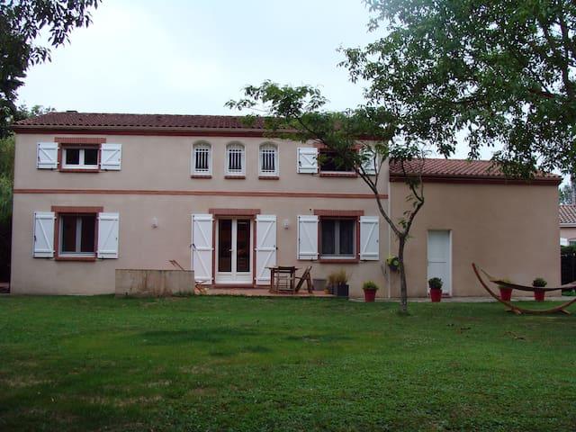 Maison familiale en campagne Toulousaine - 8 pers. - Sainte-Foy-d'Aigrefeuille - Casa