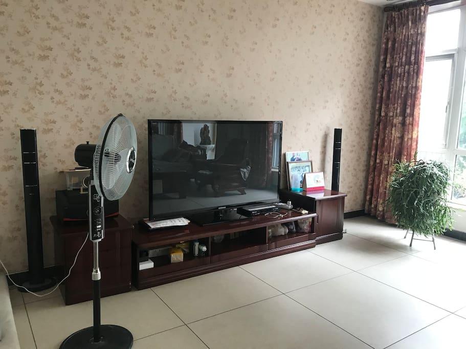 客厅的大电视