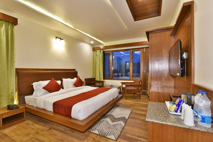 Super Deluxe Room In the Heart of Manali