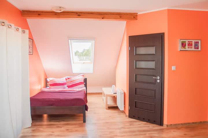 Duży, Słoneczny pokój z balkonem i łazienką nr 7