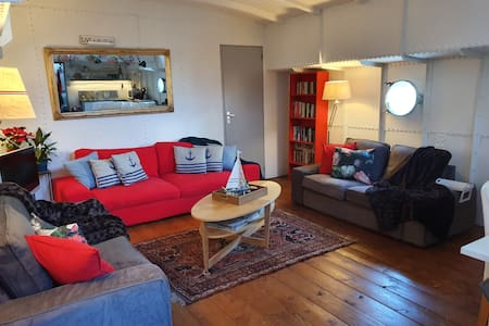 """Great Houseboat Holiday Apartment on Ship """"Mizar"""""""
