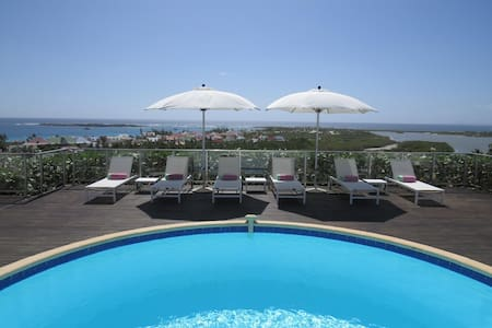 Mango - Ideal for Couples and Families, Beautiful Pool and Beach - Orient Bay