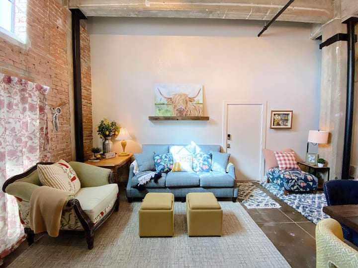 Three Bears Cottage - Downtown Loft