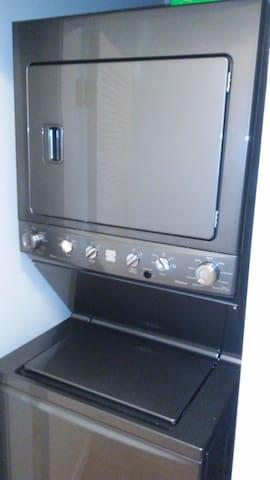 Washer/dryer inside unit