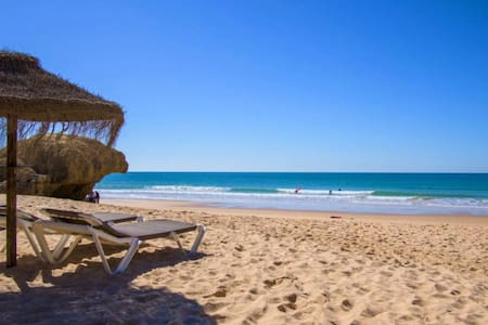 Luxury Apartment, 3 min Walk to Beach, Albufeira