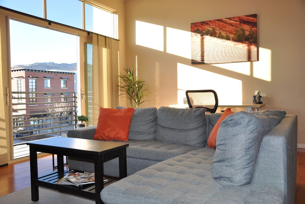 Open the sliding glass balcony doors to enjoy the fresh mountain air and let the sunshine in!
