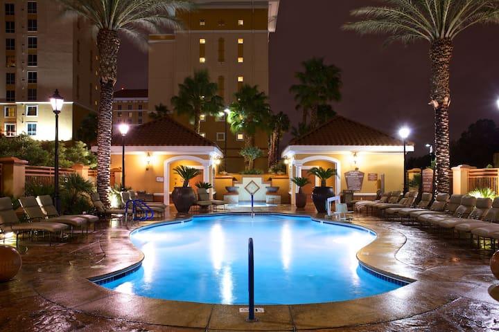 3 Bedroom ★ Pools | Hot Tubs | Free Shuttle