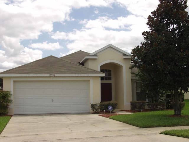 Mission Park 3/2 pool home property, fully furnished, with full kitchen, and all linens and towels - CLERMONT - Casa