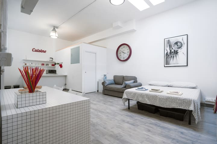 New and strategic home in Navigli!