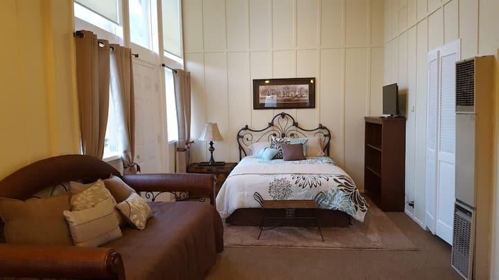 June Lake Chalet, Chalet Suite 7 / Sleeps 4