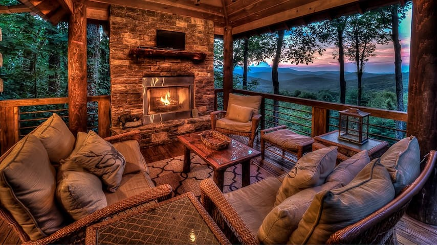 Big Canoe Lodge- Screened Porch | Outdoor Fireplace & Fire Pit | Aska Area