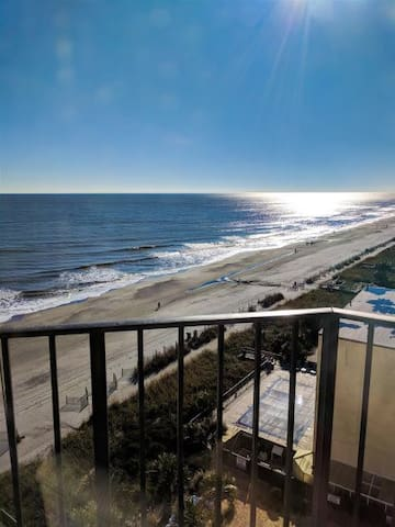 Ocean View Condo @ The Palace Resort 805