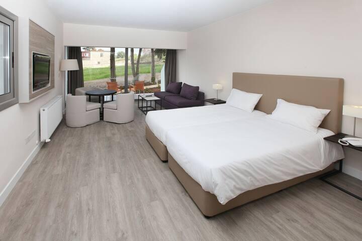 R 254 Hotel Paphos Junior Suite Sea Views  Breakfast Inc , free Wifi