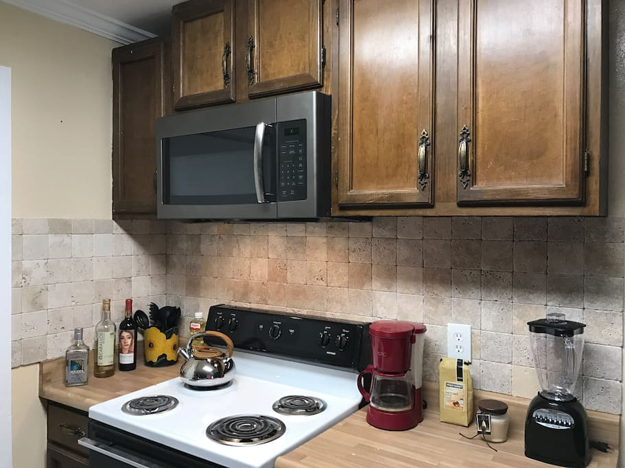 Kitchen/Stove and Microwave area