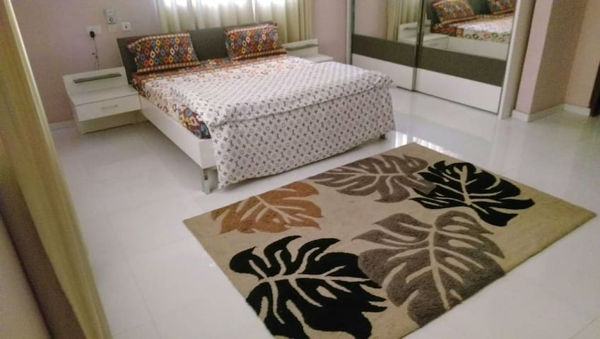 Affordable Luxury Apartment with Airport Pick-up.