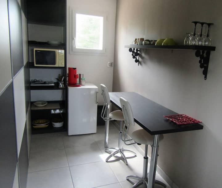 Appart étage villa 3 pers max entrée independante