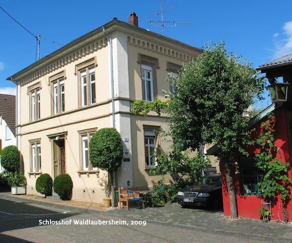 Im Schloßhof wohnen - Waldlaubersheim