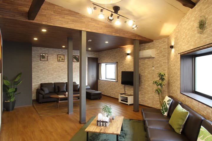 【NEW OPEN】8-minute Namba sta. /suite House★95㎡★