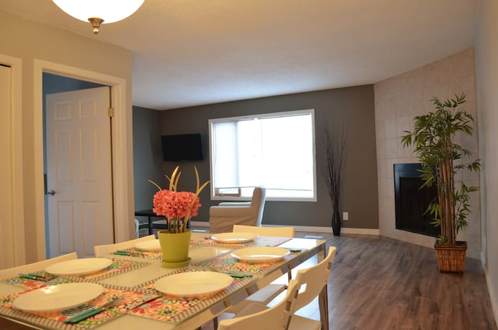 3BR House/5 Beds/Laundry/ 20% Long stay discount
