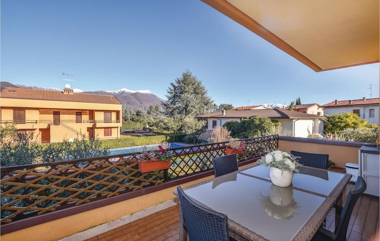 Holiday apartment with 2 bedrooms on 60m² in Portese San Felice -BS