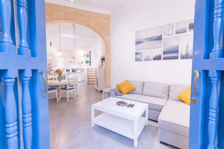 Cornerstone - Highly Finished Studio in Sliema
