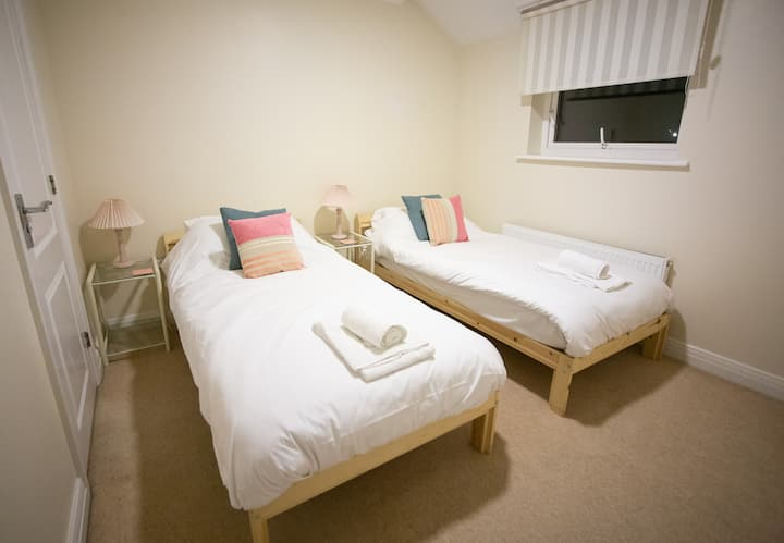 * Corporate Travellers Dream * 2 Bed Apartment *