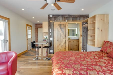 Cozy Country Getaway or Stay - WE ACCEPT BOOKINGS