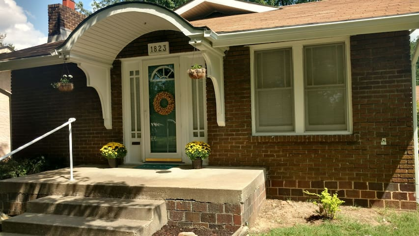 Charming Joplin home, near medical school