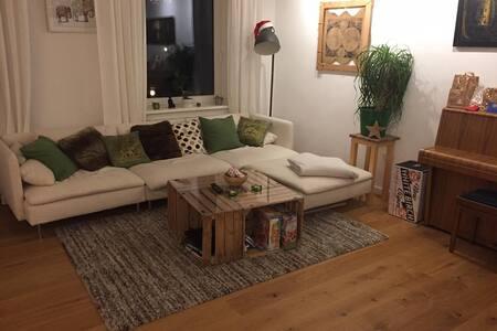 Große, gemütliche Wohnung im Herzen Bremens :) - Bremen
