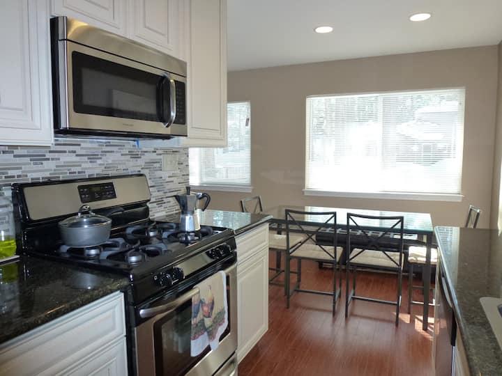 Beautiful apartment near Tahoe Keys seasonal lease