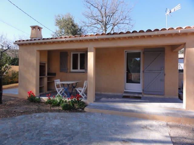 BASTIDON Provençal de : 45m² pour 2 ou 4 personnes