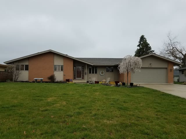 Conveniently Located and Spacious Ranch House - Columbus - Hus