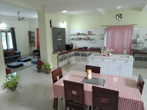 Spacious rooms, beautiful villa! Affordable price!