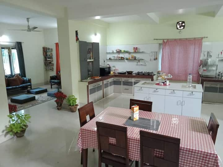 Spacious rooms, beautiful villa! Affordable price!