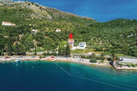 Ruim Appartement in Dubrovnik - balkon & zeezicht
