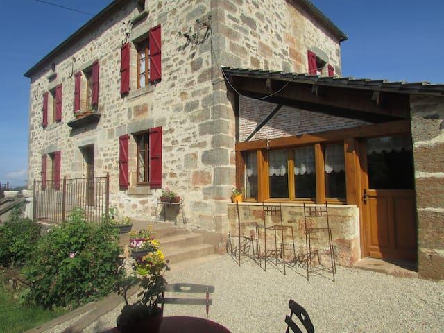 Maison d'hôtes de Gondou - Ecuries de St Maurice - Saint-Maurice-en-Quercy - Bed & Breakfast