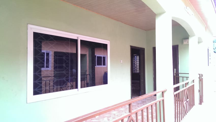 Guest Apartment in Accra / Adenta Frafraha - Adenta Municipality - Apartment
