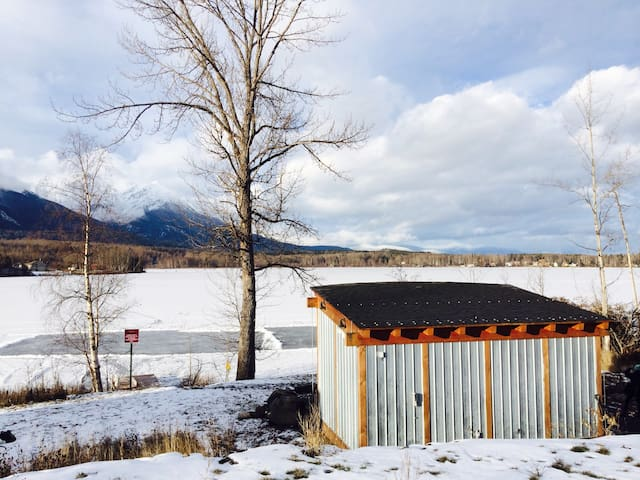 Lakefront Mountain View Home Away from Home - Smithers - Hus