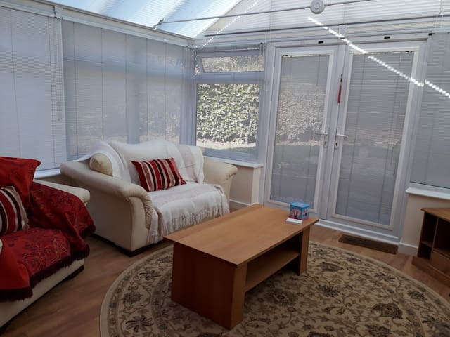 A comfortable and  self contained Annexe + garden