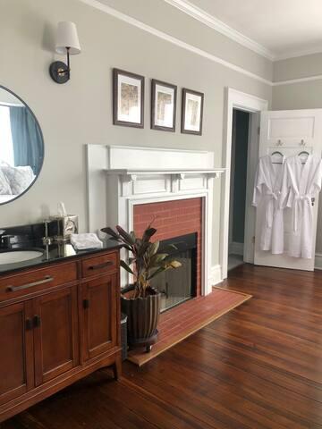 The Dogwood Room at The MacPherson House B&B