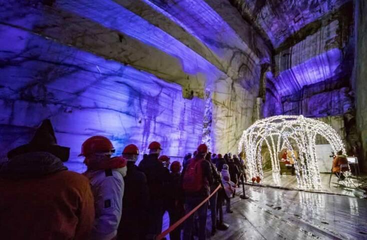 La grotta di Babbo natale a Ornavasso. 15 min. da Suna
