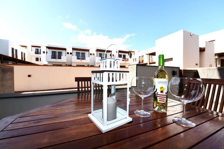 Excelente y nuevo Duplex en Puerto Calero! - Puerto Calero - Pis